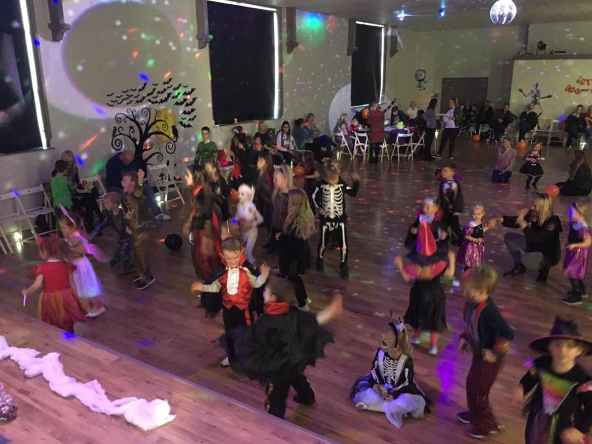 Kids halloween party, zone 22, party hire